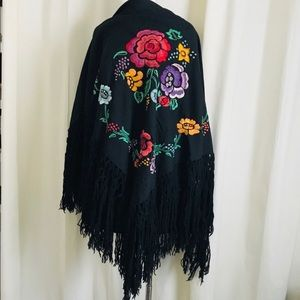 Vintage 70s Folk Art piano wrap shawl embroidered
